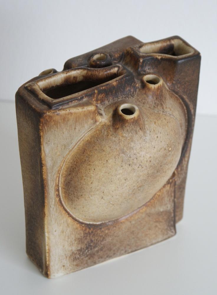 Lore Ceramics Beesel The Netherlands 1967-1981 Matt Camps B vase heart brown