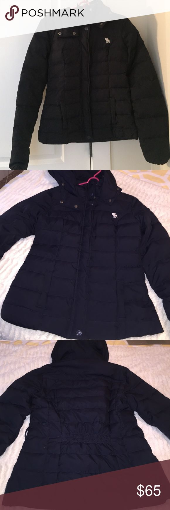 Abercrombie and Fitch Coat A&F Coat has been worn a number of times however does not show any signs of use (besides the inside tag which can be seen in picture 4) It is in excellent conditions and an extremely warm coat! Offers are encouraged! Abrecrombie and Fitch Jackets & Coats Puffers