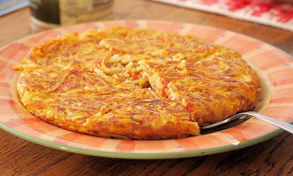 Μακαρονόπιτα: Η πιο νόστιμη και εύκολη συνταγή χωρίς φύλλο! Pasta pie - just use a vegan egg substitute