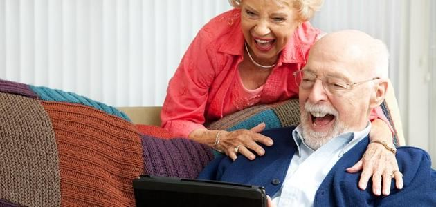 - الرّجل يحبّ أكثر الأشياء تعقيداً في الحياة، ألا وهي المرأة  - أسرع الطّرق لنشر أيّ موضوع المرأة... التلفون... الانترنت... وإذا كنت مستعجلاً على الن