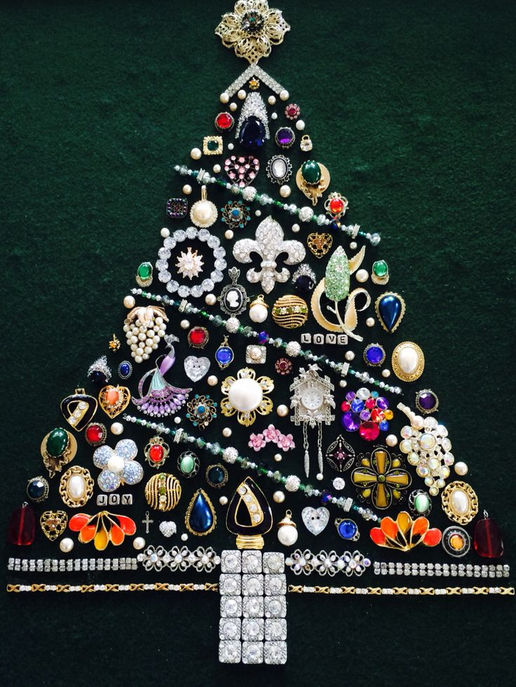 Jewelry Christmas Tree Made With A Variety Of New Old