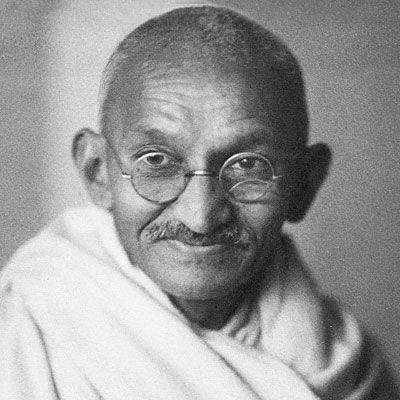Tutte le migliori frasi, aforismi e citazioni di Mahatma Gandhi, guida spirituale indiana.  #Mahatma #Gandhi #aforismi #citazioni #frasi