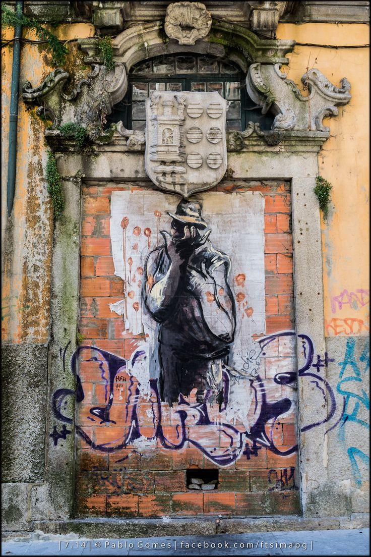 Rua das Flores / Calle de las Flores / Flowers Street [2014 - Porto / Oporto - Portugal] #fotografia #fotografias #photography #foto #fotos #photo #photos #local #locais #locals #cidade #cidades #ciudad #ciudades #city #cities #europa #europe #fotografia #photography #photo #street #streetart #graffiti #grafittis #grafito #grafitos @The ART of WALL @Visit Portugal @ePortugal @WeBook Porto @OPORTO COOL @Oporto Lobers
