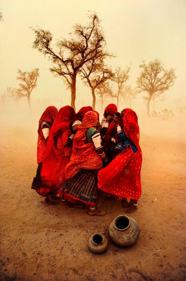 Steve McCurry Duststorm Rajasthan India1983