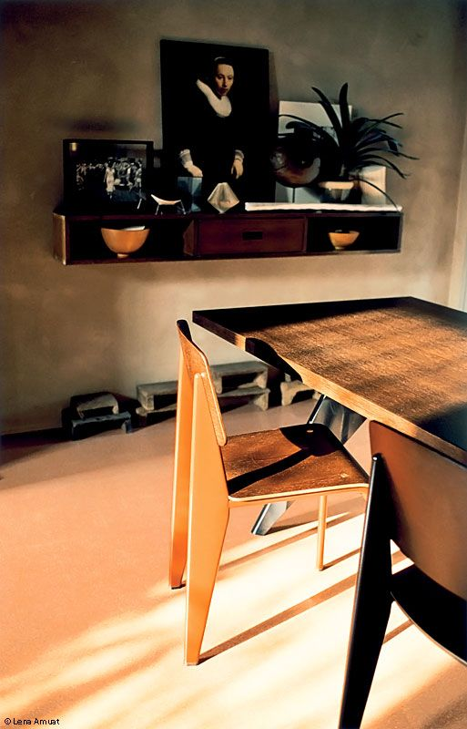 Prouve EM Table - Vitra.com