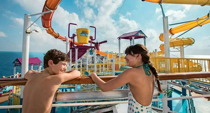 Holiday On Carnival Breeze.  Carnival Breeze #breeze #carnivalbreeze #carnival #holidays #holiday #cruise #cruising #cuiseboard #cruiser #vacation  #vacations #trip #travel #travels #tflers #traveling #travelling #amazing