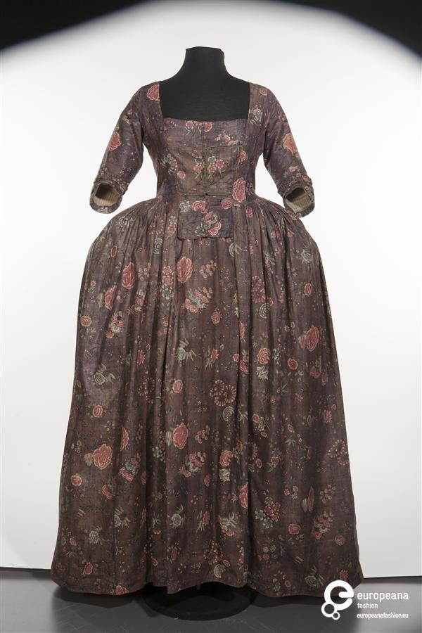 Floral chintz gown, Netherlands, circa 1775-1799.