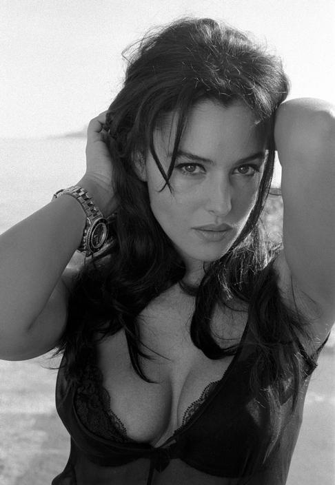 to be feminine and celebrate being a woman everyday.... that is all me   Monica Bellucci by Ferdinando Scianna