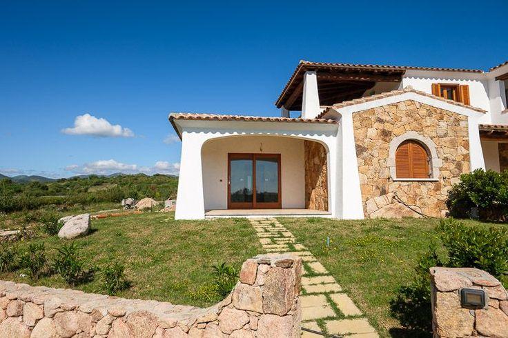 Budoni Residence Capannizza, villette in vendita inserite in esclusivo residence con piscina a 600 metri dal mare.