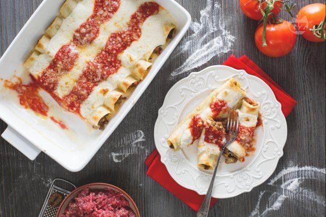 I cannelloni rappresentano una ricetta classica di pasta fresca ripiena, perfetta da servire per il pranzo della domenica!