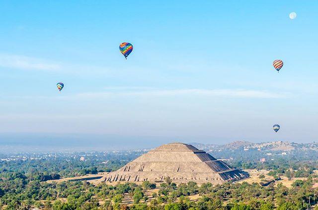 Tag a friend youd climb the pyramids of Teotihuacán with!       #trip #travel #wanderlust #traveling #vacation #wanderlustcurators #traveler #tourism #tourist #travelgram #igtravel #travelblog #travelblogger #instatravel #traveltheworld #instapassport #mytravelgram #traveladdict #world #amazing #photo #photography #adventure #explore #worlderlust #passionpassport #travelawesome #exploringtheglobe #doyoutravel #mexico