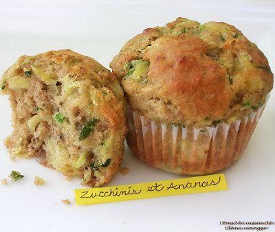 Encore une recette avec des zucchinis, mais cette fois-ci avec des ananas. La recette m'a donné 12 beaux muffins ainsi que 2 petits pains....