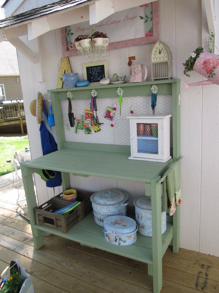 Best 25+ Potting Tables Ideas On Pinterest | Garden Table, Potting Station  And Garden Work Benches