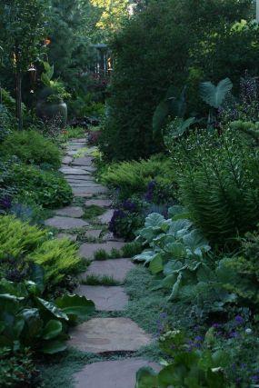 Minneapolis/St. Paul garden designer Scott Endres--Click through to read more about this garden!: Gardens Ideas, Secret Gardens, Paul Gardens, Design Scott, Gardens Paths, Minneapolis St, Back Yards, Side Yards, Gardens Design