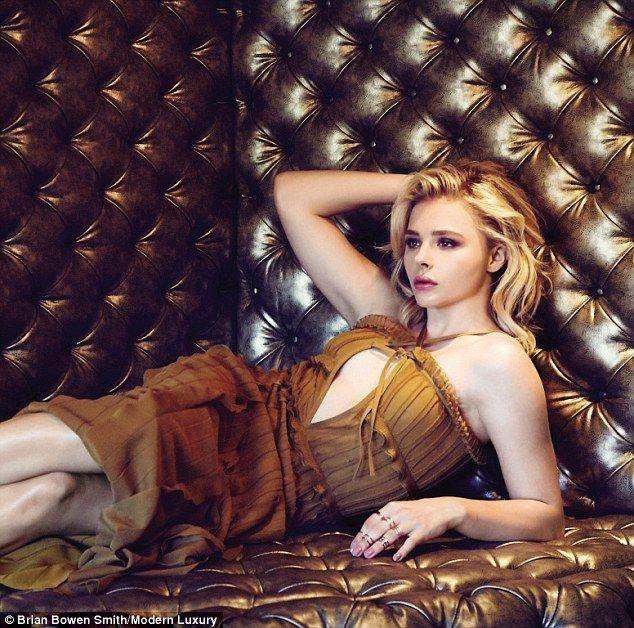 Chloë Grace Moretz desnuda para Nylon
