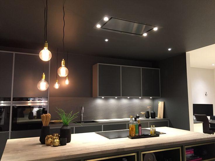 Peppargrå kök