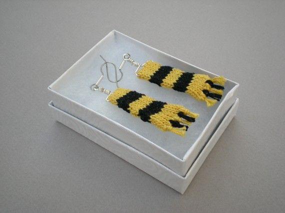 Maglia guidata sciarpa orecchini - giallo e nero