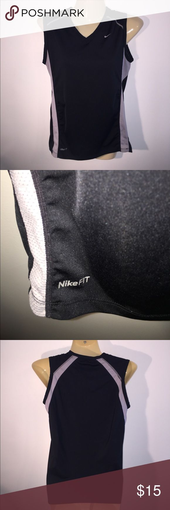 Nike Fit Small Black & Gray Athletic Top EUC Nike Fit Small Black & Gray Athletic Top EUC Nike Tops Muscle Tees