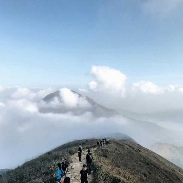 Our interns went on an amazing hike to see the other side of Hong Kong, what an incredible view! ⛅🌄 Visit the link in bio to intern abroad.