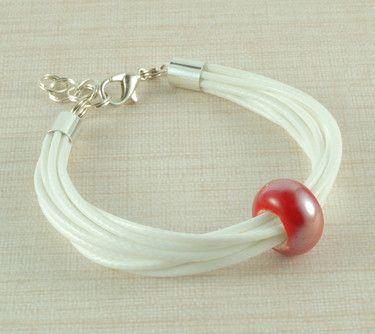 #bransoletka z ceramicznym koralikiem na DaWanda.com