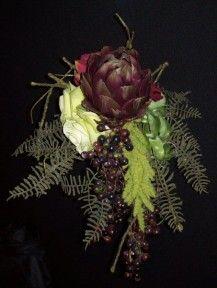 watervalboeket met artisjok Bruidsbloemen | Bloematelier Rolinda