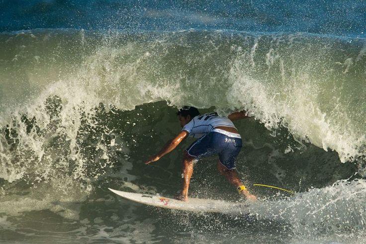 """Las mejores fotos del certamen de Surf """"Billabong Pro Río""""  Del 7 al 18 de mayo se lleva a cabo el Billabong Pro Río, en Río de Janeiro. La agencia AFP nos hizo llegar estas fotos de la jornada de ayer.  Foto:AFP"""