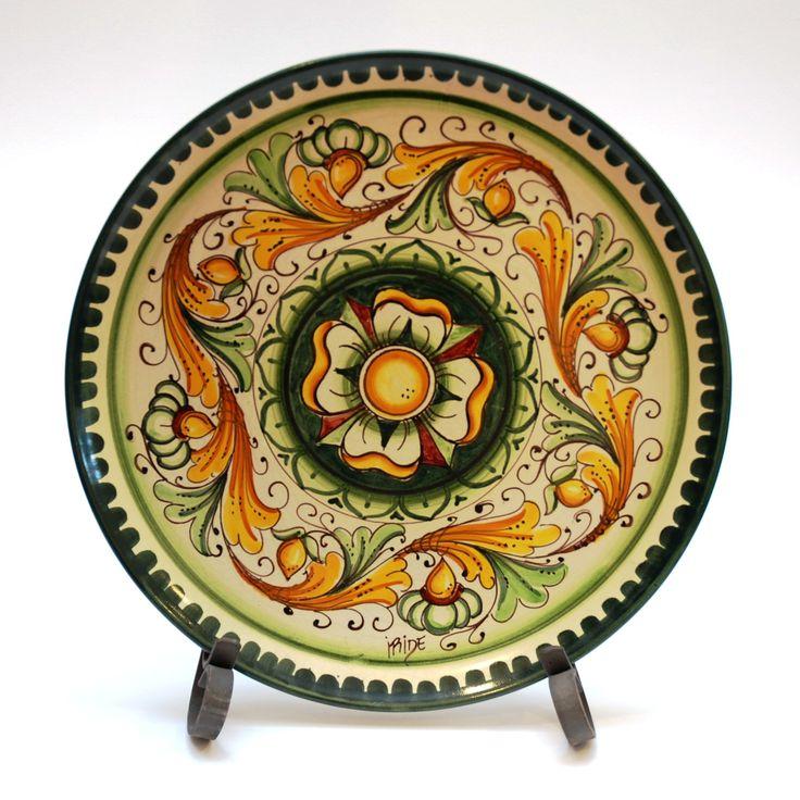piatto-da-parete-in-ceramica-artistica-decoro-ornato-pignetta.jpg (1900×1900)