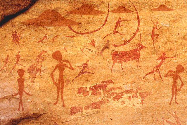 CLICK NA IMAGEM : Cientistas ficam abismados com pinturas rupestres de extraterrestres e OVNIS de mais de 10 mil anos