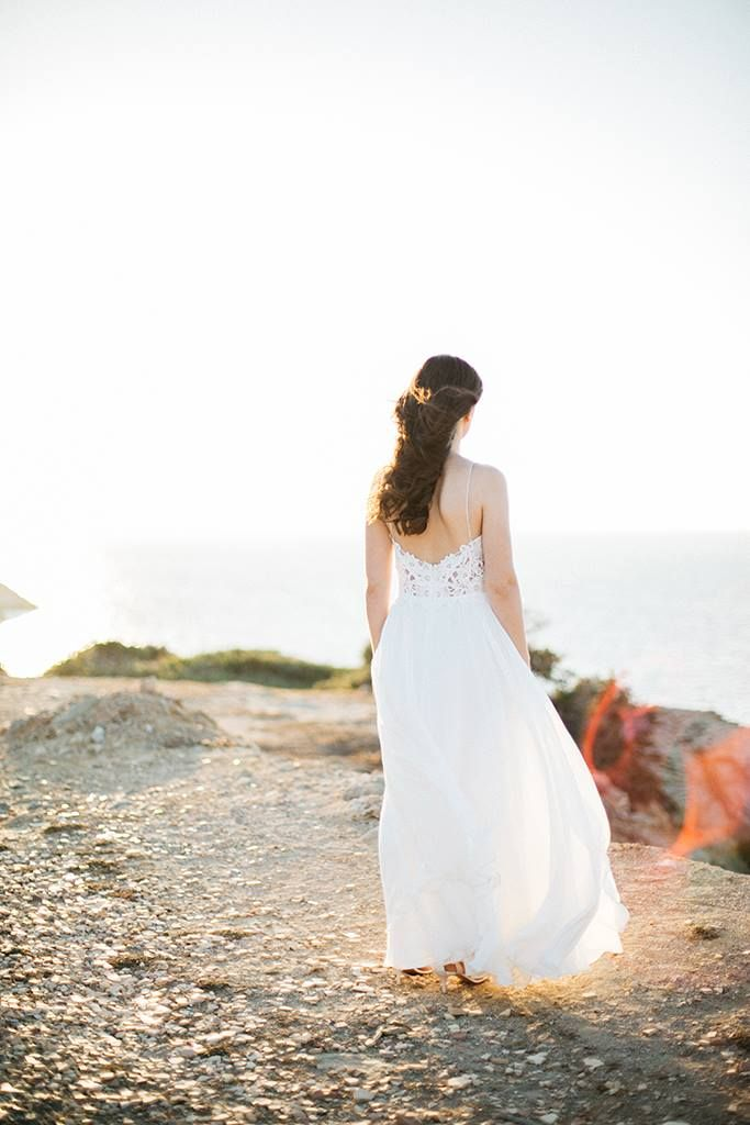 - breathing dreams like air -  F. Scott Fitzgerald  #bridalportrait #realwedding #weddinginGreece