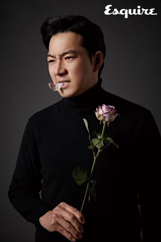 Song Il Kook Exudes Charisma for Esquire Magazine   Koogle TV