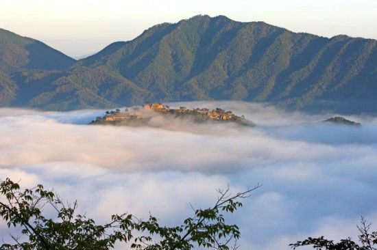 Castle-in-the-sky- This spectacular castle is located in Hyogo Prefecture in the Wadayamacho district of Asago. It was constructed centuries ago on the summit of a 1000 foot high mountain. Today, the ruins of the castle run a quarter of a mile long and over 300 foot wide.