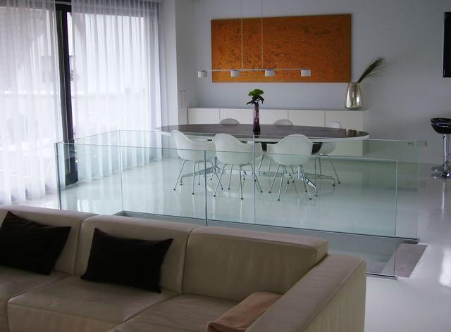 Woon inspiratie: glazen afscheiding in de woonkamer