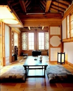 Hanok, Korea  Korean house - to replicate door system for out door patio area