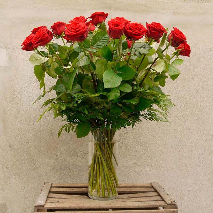 Ramo de Rosas Rojas de tallo largo   Floristería Bourguignon #red #roses #rose