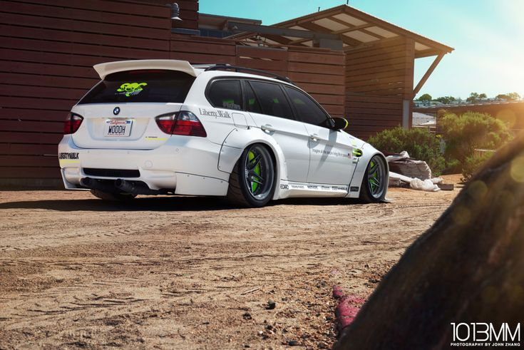 Ricflare Liberty Walk BMW 3 Series Wagon - http://www.bmwblog.com/2014/11/14/ricflare-liberty-walk-bmw-3-series-wagon/