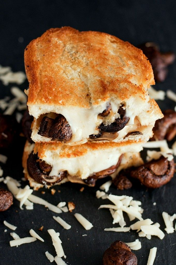The Swiss Mushroom Melt Grilled Cheese | bsinthekitchen.com #grilledcheese #sandwich #bsinthekitchen