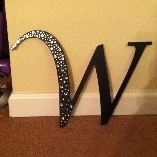25 best ideas about decorate wooden letters on pinterest decorate letters dr book and read sign. Black Bedroom Furniture Sets. Home Design Ideas