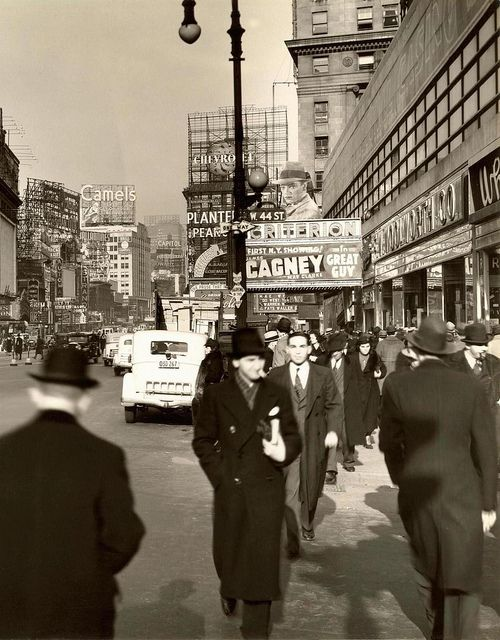 New York City, 1936( Times square James Cagney+Mae Clarke+Mildred Harris(1.st Chaplin's wife)1936 Great Guy movie Criterion Theatre)view from West 44th.Str.to north Broadway(Strand+Capitol Theatres...)