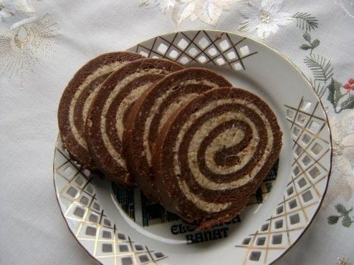 Hozzávalók:       50 dkg háztartási keksz   20 dkg porcukor   5 dkg cukrozatlan kakaópor   1,5-2 dl tej (amennyit felvesz)   5 d...