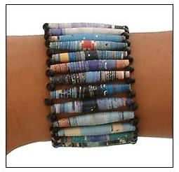 Recycled Magazine BraceletCrafts Jewelry Ideas, Diy Upcycling, Diy Bracelets, Recycle Magazines, Diy Crafty, Upcycling Bracelets, Recycled Magazines, Recyled Paper Crafts, Magazines Bracelets