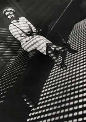 1934 : La femme au Leica, Alexander RODTCHENKO Constructivisme russe
