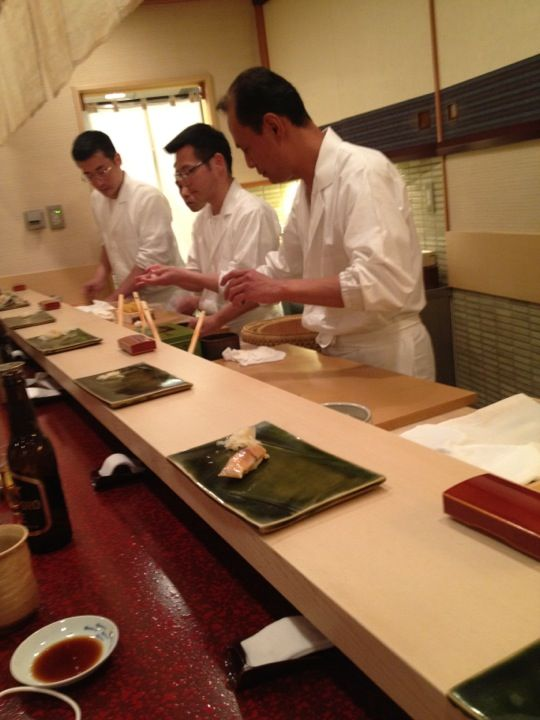 すきやばし次郎 六本木ヒルズ店 in 港区, 東京都  Sukibayashi Jiro   http://www.sushi-jiro.jp/