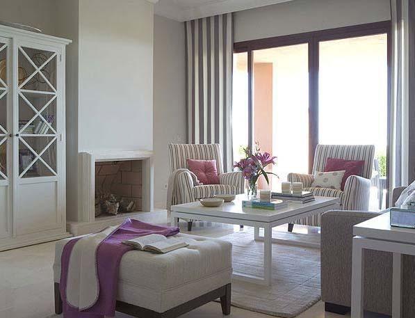 Cálida y muy luminosa: Una distribución bien pensada, la utilización de un color neutro para pintar todas las paredes e interesantes juegos de telas son las claves de la decoración de esta casa.