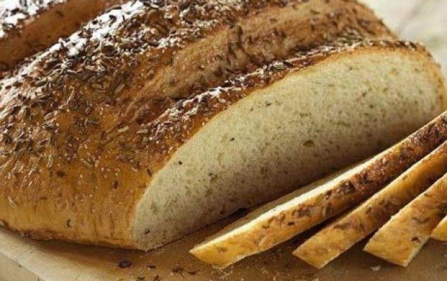 Zυμωτό ψωμί με γλυκάνισο