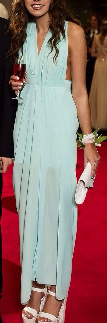 Love this maxi dress for prom. Such a pretty color <3