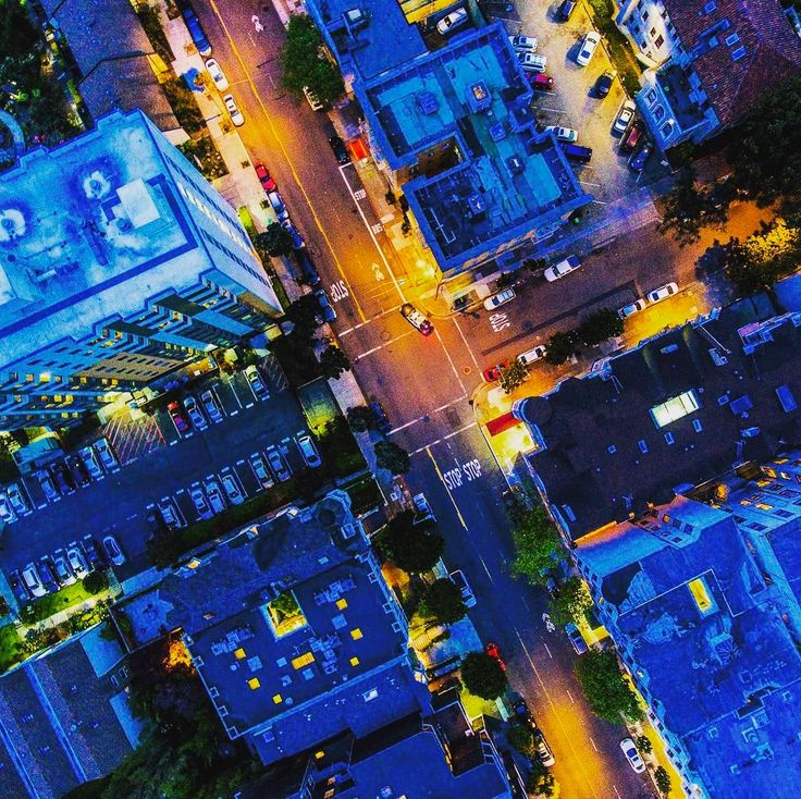 #aerial #city #air #sanfran #sanfrancisco #dji #djiphantom4 #djiphantom #phantom #phantom4 #aerialphotography #aerialphoto #aerialphotos #flying #overhead #birdseyeview #night #nighttime #nightphotography #nightlights #nightlife #sf #sfstreets #sfstreetar