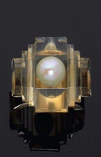 An Art Deco citrine and pearl ring, by René Boivin, circa 1930. Unsigned. #RenéBoivin #Boivin #ArtDeco #ring