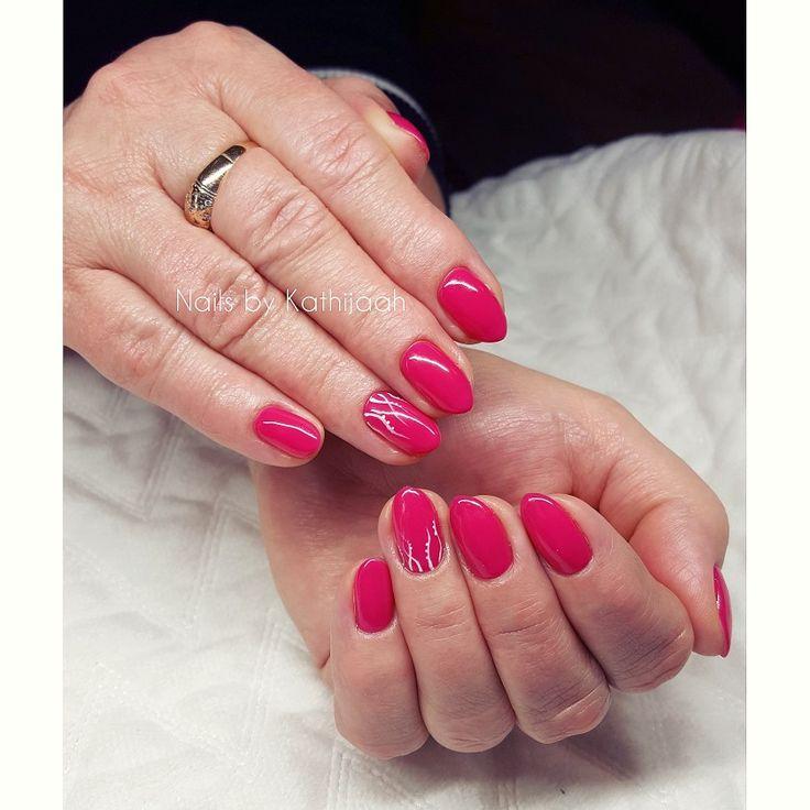 amaranth nails