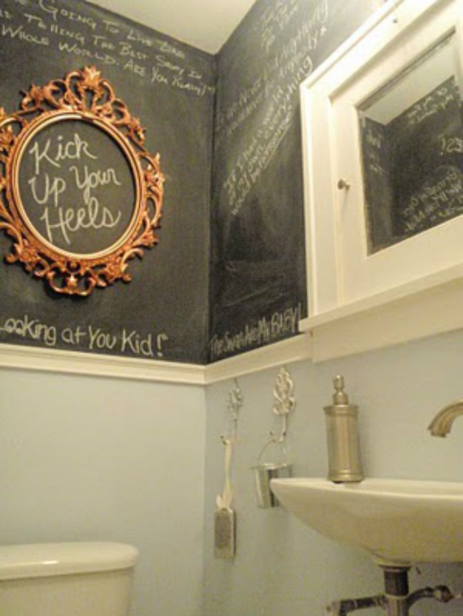 paint a bathroom with chalkboard paint! charming!!Powder Room, Kids Bathroom, Guest Bathroom, Chalkboards Painting, Half Bath, Chalkboard Paint, Bathroom Wall, Chalk Boards, Chalkboards Wall