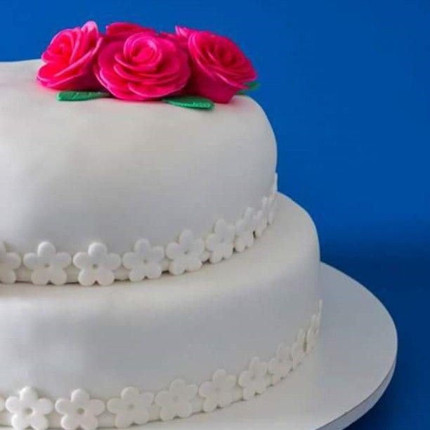 Bolo lindo e delicioso feito para o casamento da querida Daíru !! Obrigada e felicidades ao casal  #meldoce #bolodameldoce #deliciasdameldoce #bolodenozescomdocedeleite #facasuaencomenda #vemdemeldoce